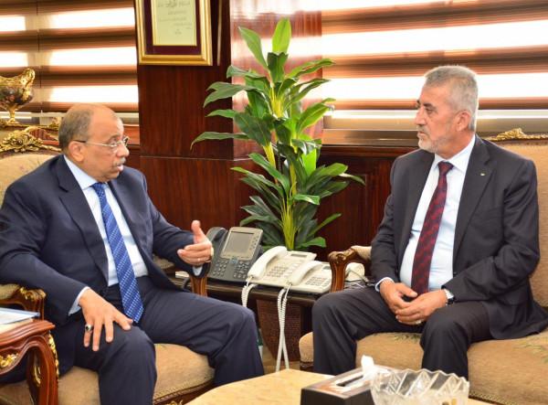 وزير الحكم المحلي يتفق مع نظيره المصري على توقيع مذكرة تعاون مشترك