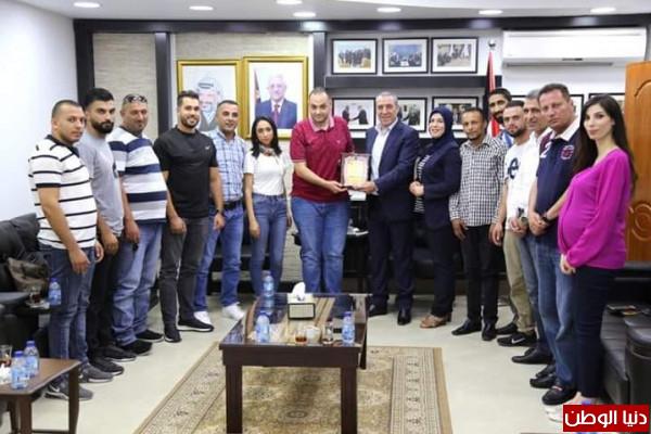الهيئة التنظيمية في الجلزون تبحث تفعيل سبل التعاون مع الوزير الشيخ