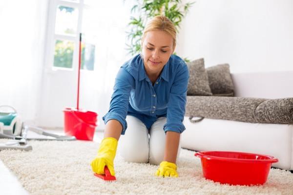 تنظيف موكيت المنزل العميق في خطوات مُفصّلة
