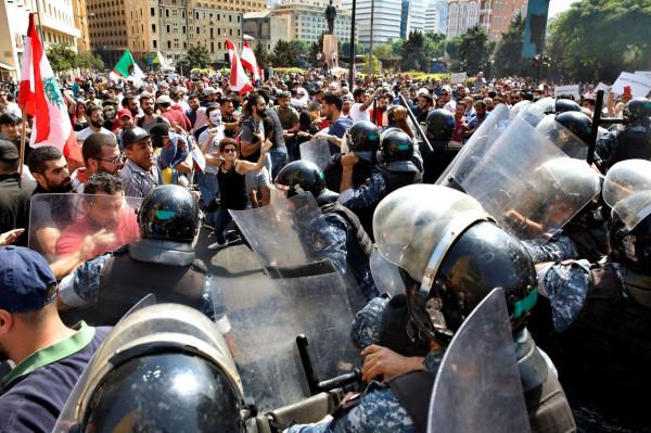 الأورومتوسطي: التعامل الأمني مع احتجاجات لبنان خرق واضح لمعايير حقوق الإنسان