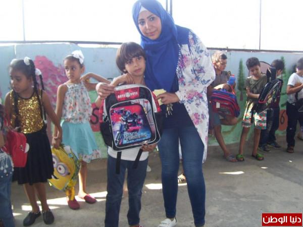 صور: زيتونة تستقبل ذكـرى التأسيس بتوزيع حقائب مدرسية للطلاب