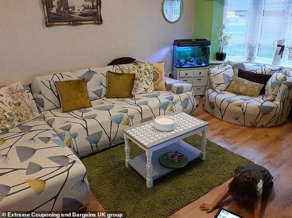 امرأة تجدد صالون منزلها بـ 33 جنيها إسترليني