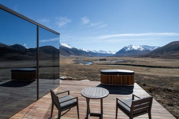 حجرات فندقية تسمح للسياح بالاندماج مع الطبيعة في نيوزلندا