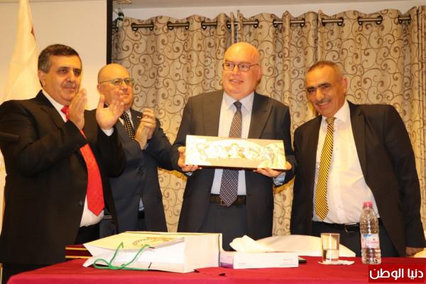 رئيس بلدية بيت لحم يكرم القاضي جو مفصوت بمناسبة زيارته الثلاثين للمدينة