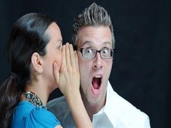 بـ 5 طرق مميزة.. هكذا تزفين الخبر السعيد لزوجك بأنك حامل