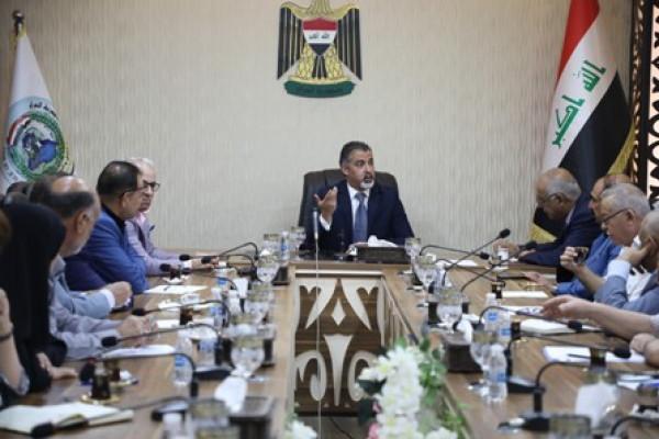 وزير العمل يستقبل اعضاء المجلس النقابي العمالي