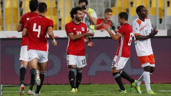"""""""صخرة"""" المنتخب المصري يبدي رأيه بشأن شارة القيادة لـ""""الفراعنة"""""""