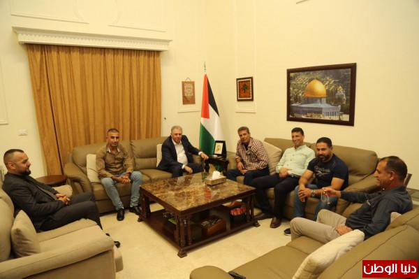(دبور) يلتقي وفداً من اقليم حركة فتح واللجان الشعبية في محافظة جنين
