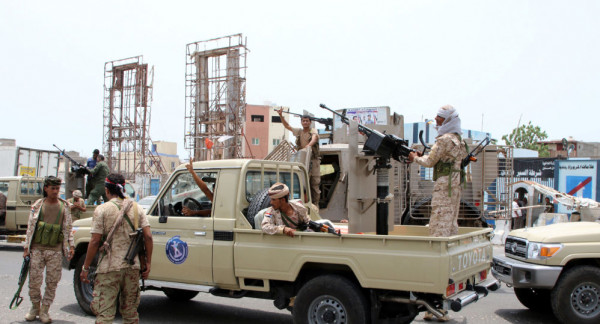 انسحاب القوات الإماراتية والسودانية من أكبر قاعدة عسكرية باليمن