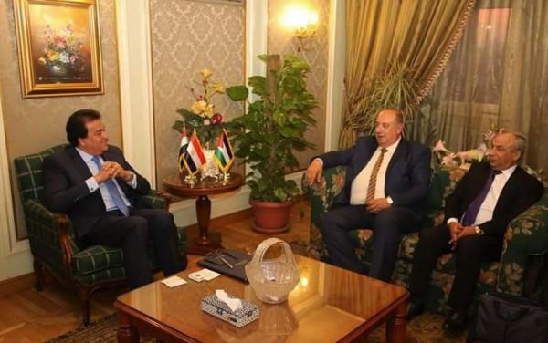 وزير التعليم العالي يتفق مع نظيره المصري على زيادة منح الطلبة الفلسطينيين