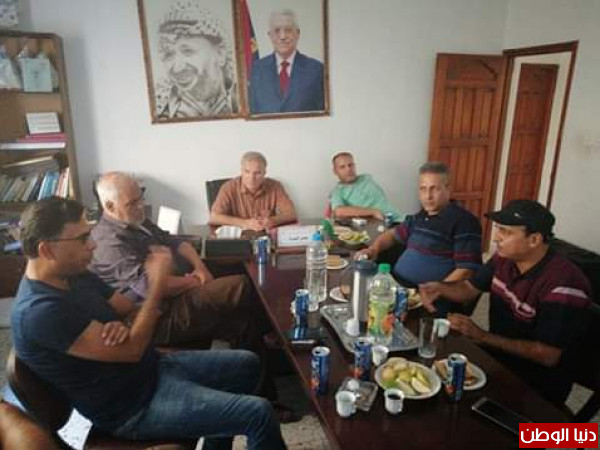 اللجنة الشعبية للاجئين مخيم خانيونس تنظم زيارات لمخيمات الوسطى