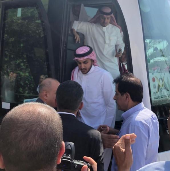وصول بعثة المنتخب السعودي الى رام الله 9998998758