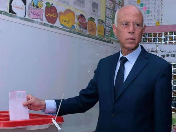 """قيادات بـ""""حماس"""": مبروك لـ""""فلسطين"""" رئيس تونس الذي يرفض التطبيع ويدعم قضيتنا"""