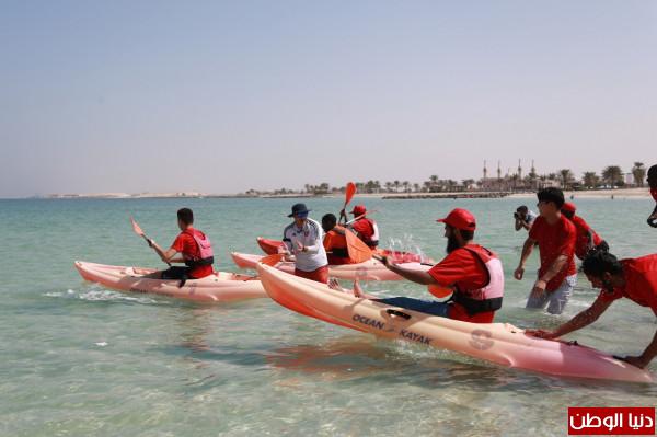 تسعون طالبا من طلبة الجامعة القاسمية في يوم رياضي شاطئ بالحمرية