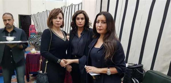 شاهد: سوزان نجم الدين من عزاء لعرض أزياء بفستان واحد بساعة واحدة