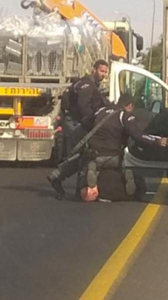 جبارين يطالب بمعاقبة افراد الشرطة الذين اعتدوا على المشاركين بقافلة السيارات