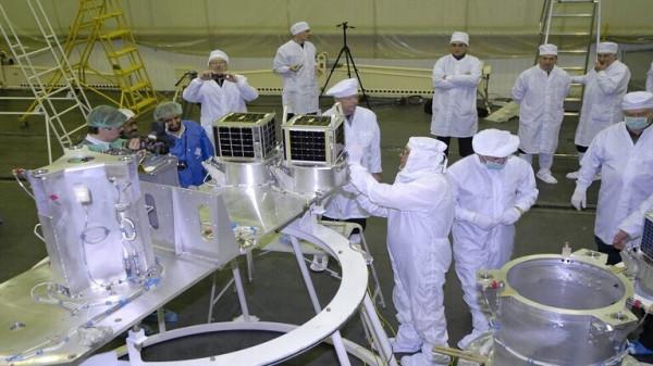 روسيا والسعودية تبحثان مشروع إطلاق أقمار صناعية