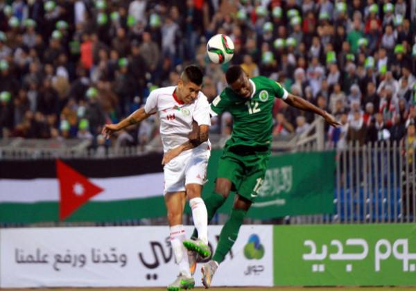 شاهد: ماذا قال مدربا الفدائي والأخضر السعودي عقب المباراة التاريخية؟