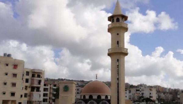مؤذن يدعو المسيحيين للاحتماء بالمسجد من النيران المشتعلة في لبنان