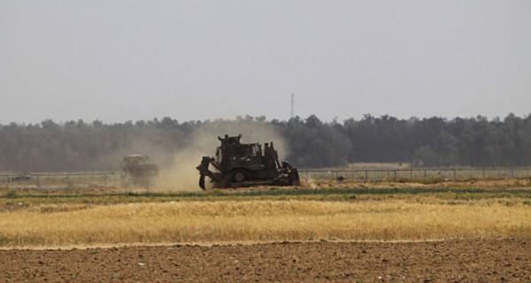توغل آليات عسكرية إسرائيلية في أراضي المواطنين الحدودية شرق جباليا