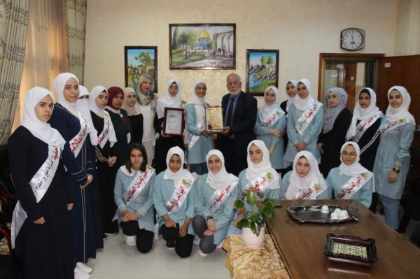 قلقيلية: مدير التربية يلتقي مع الاسر الصفية والبرلمان الطلابي