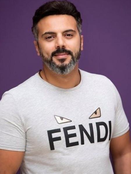 أحمد فريد يحتفي بأعمال والده في رحلة الفنان التشكيلي على مدار 62 عامًا