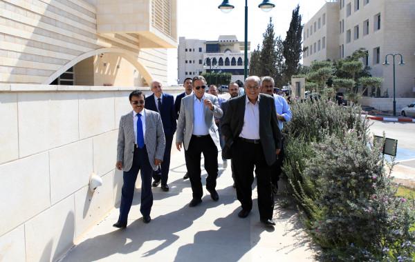 """مجلس إدارة """"العربية الأمريكية"""" يتفقد مشاريع الجامعة ويطلع على إنجازاتها الأكاديمية"""