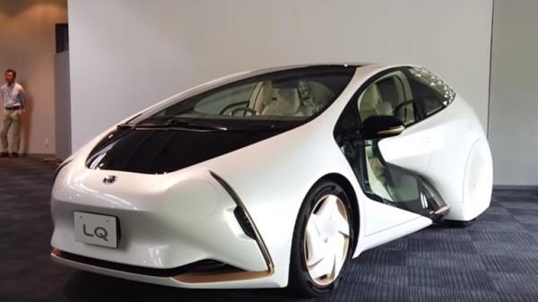 """شاهد: """"تويوتا"""" تدخل عالم السيارات الكهربائية بمركبة متطورة"""