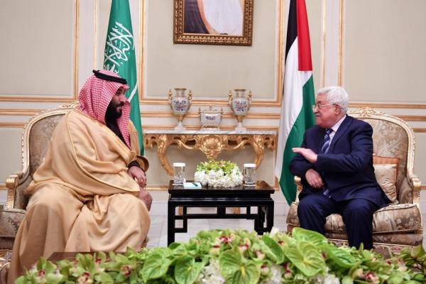 اليوم.. الرئيس عباس يلتقي ولي العهد السعودي