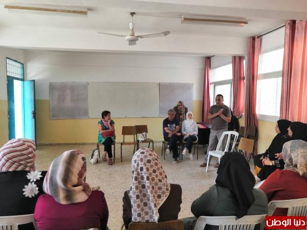 المركز الفلسطيني و(FDHT) ينفذان لقاءاً تقيمياً لمشروع تمكين النساء بجنوب الضفة الغربية