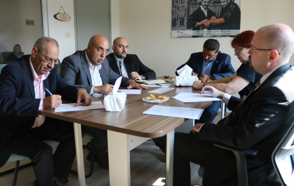 وكيل وزارة العمل وممثلية روسيا الاتحادية لدى فلسطين يبحثان سبل التعاون المشترك