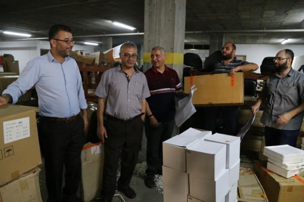 وزارة التعليم بغزة : توريد أدوات مخبرية لـ 22 مدرسة حكومية