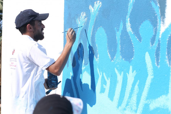 جامعة فلسطين وجمعية بسمة للثقافة والفنون يشرعان ببدء فعاليات رسم جداريات