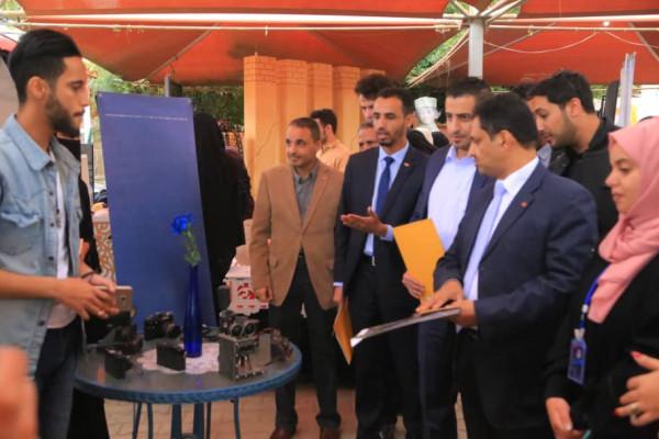الجامعة اللبنانية الدولية بصنعاء تنظم يوماً مفتوحاً للفنون