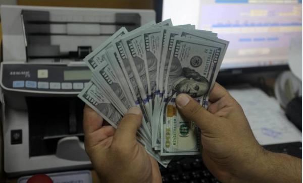 لأول مرة منذ شهر.. الدولار يصعد لأعلى سعر مقابل الشيكل
