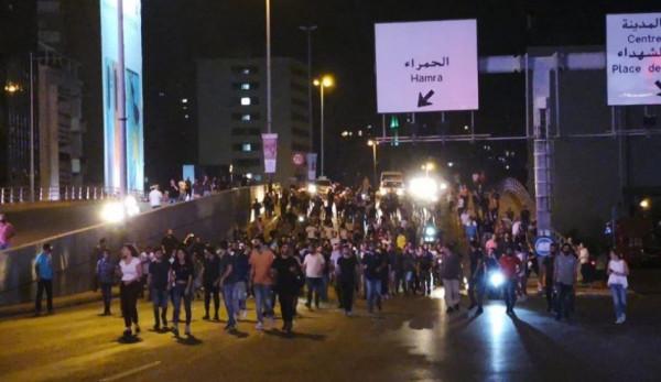 وصفوا الحكومة بالظالمة.. هكذا تفاعل الفنانون اللبنانيون مع المظاهرات ببلدهم