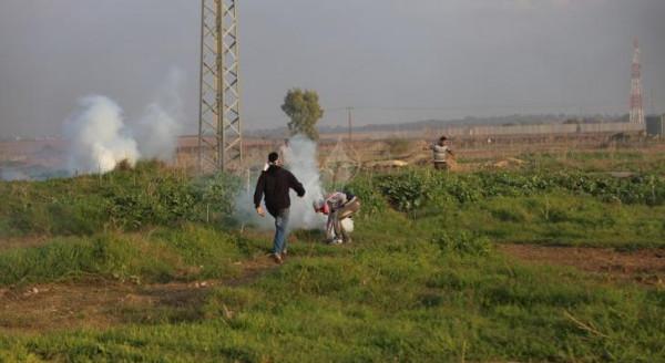 الاحتلال يستهدف أراضي المواطنين شرق خانيونس