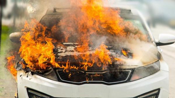 وفاة مصري وطفليه حرقًا داخل سيارتهم في الرياض