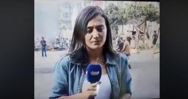 """فيديو: متظاهر يتحرش بمراسلة """"الحدث"""" في لبنان على الهواء مباشرة"""