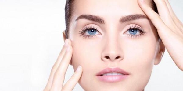 لصاحبات البشرة العادية.. طريقة طبيعية لتنظيف الوجه بـ3 مكونات اقتصادية