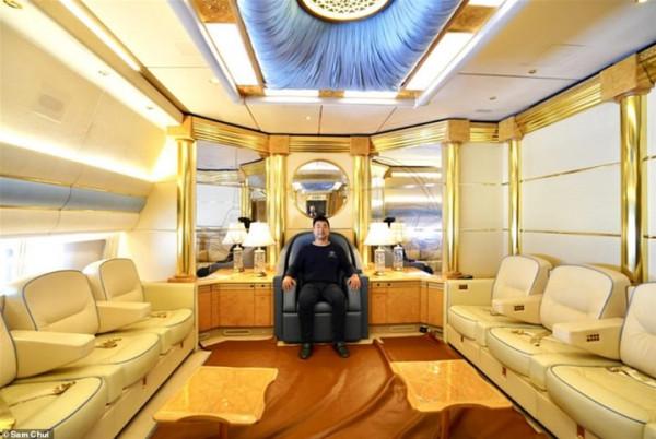 جولة مدون سفر على متن طائرة للعائلة الملكية القطرية