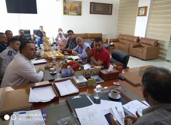 لجنة السلامة بمحافظة بيت لحم وبلدية بيت فجار ينفذون جولات ميدانية لمصانع