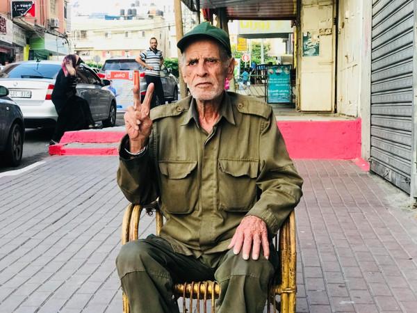 """لماذا يرتدي الغزّي """"البورنو"""" الملابس العسكرية على مدار 26 عامًا؟"""