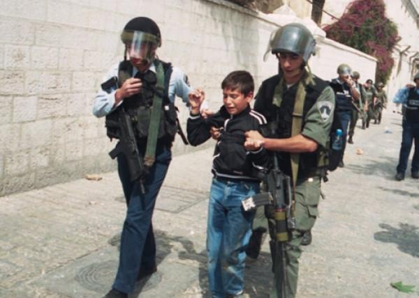 قوات الاحتلال الإسرائيلي تعتقل طفلاً في قلقيلية