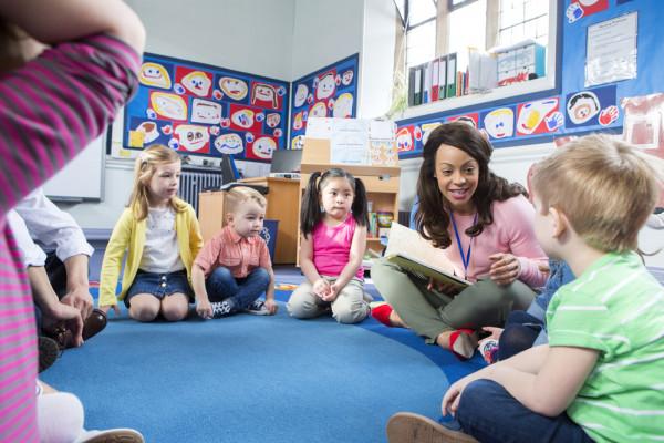 ليدي بيرد: نصائح لمساعدة الطفل على اكتساب لغات جديدة