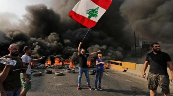 بعد المظاهرات والاحتجاجات.. لبنان إلى أين؟ وما قصة الـ72 ساعة؟