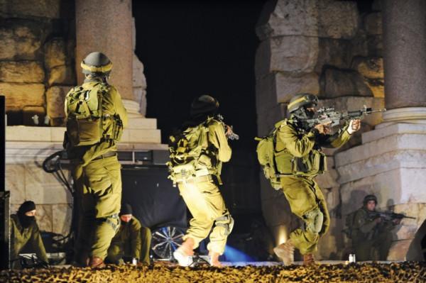 قوات الاحتلال تعتقل ستة مواطنين بالضفة