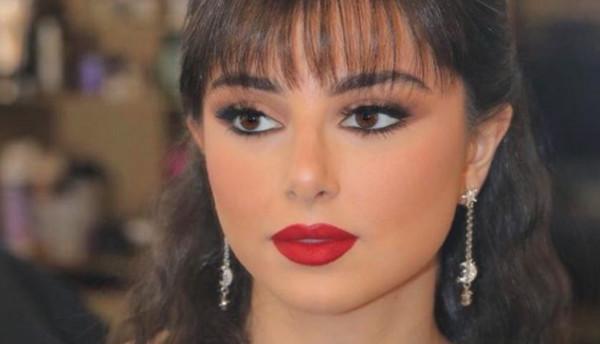 ماريتا ابنة الفنان عاصي الحلاني ترقص الدبكة في تظاهرات لبنان