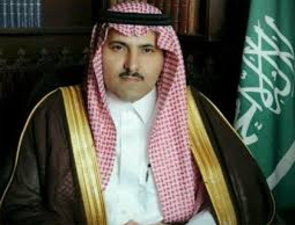 مطالبات واسعة لقيادة السعودية بإقالة سفيرها في اليمن لتورطه بقضايا كبيرة