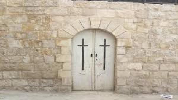 """""""اللجنة الرئاسية العليا لشؤون الكنائس"""" تدشن أعمال ترميم كنيسة موسى الحبشي بنابلس"""